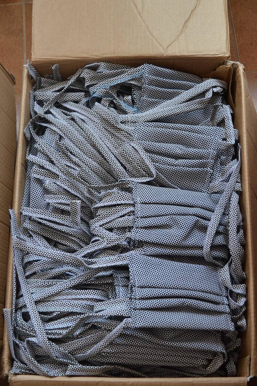 Więźniowie z zakładu w Nowej Hucie uszyli 650 maseczek dla pracowników szpitali