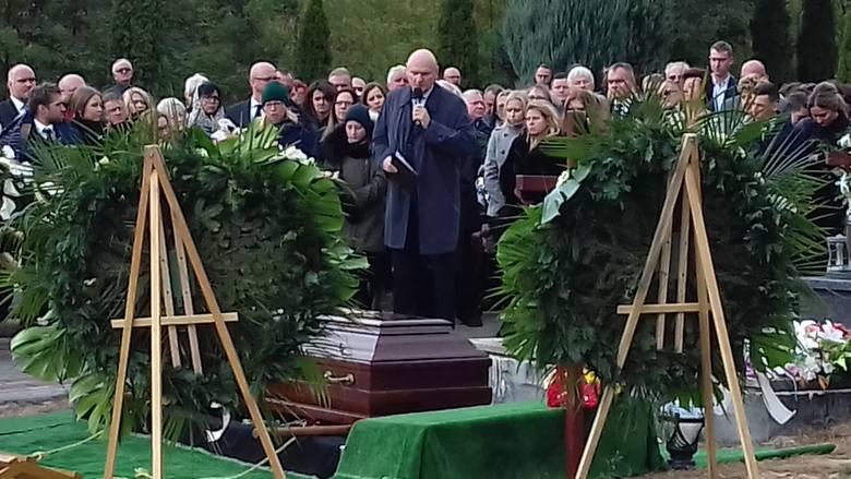 Wielkiego Doktora pożegnaliśmy równo rok temu, 2 października. Kościół w Złejwsi Wielkiej nie był w stanie pomieścić połowy uczestników pogrzebu dra