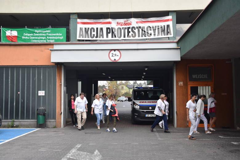 Pracownicy rybnickiego szpitala wyszli na ulice