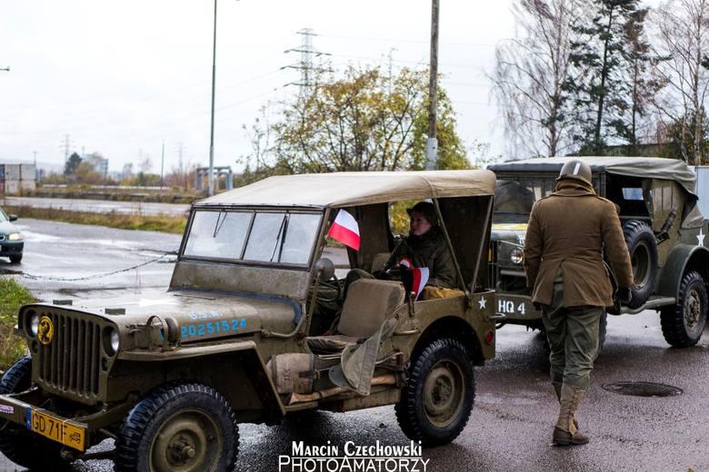 Święto Niepodległości w Gdyni. Parada zabytkowych samochodów 11.11.2017 [zdjęcia]