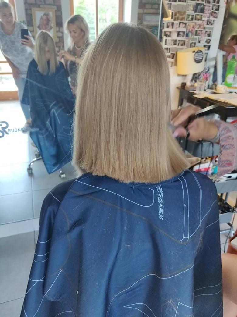 Dwie małe dziewczynki oddały swoje włosy chorym na raka (zdjęcia)