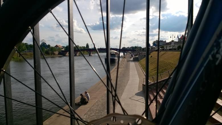 Bulwar nad Warta to wizytówka Gorzowa (choć teraz akurat jest remontowana nad nim estakada kolejowa)