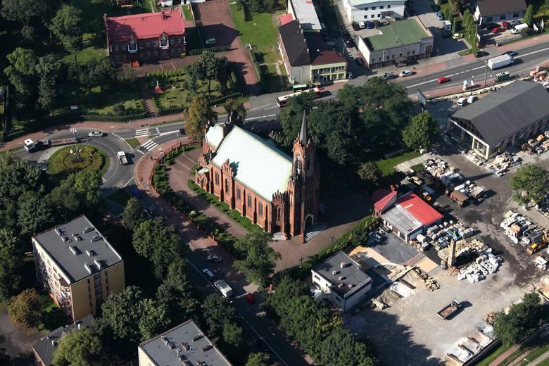 Parafia w Niwce to najstarsza parafia na terenie obecnego Sosnowca. Powołano ją już w 1826 roku. Obecną neogotycką świątynię pw. św. Jana Chrzciciela budowano w latach 1896-1910.