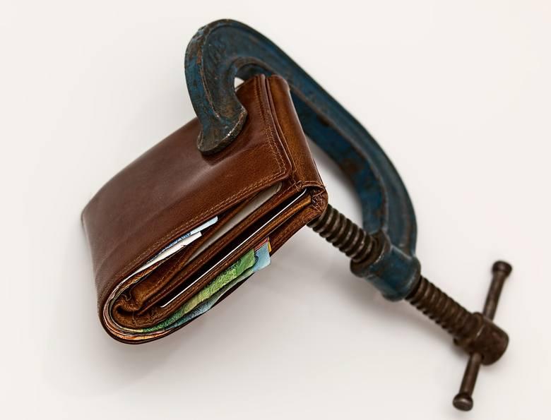 To bardzo ważna informacja dla osób, które mają długi: prawo chroni przed komornikiem niektóre składniki naszego majątku. Czego nie może zająć komornik?