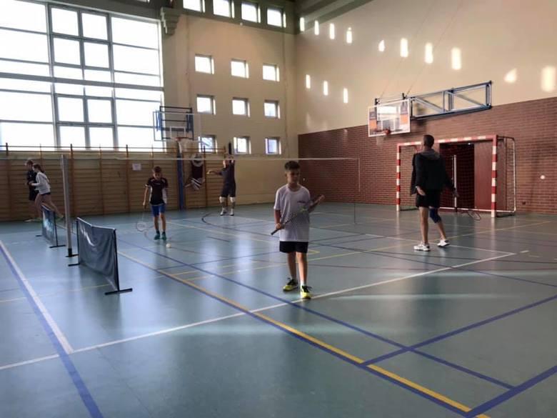 Pierwszy turniej badmintona w Ustce [zdjęcia]