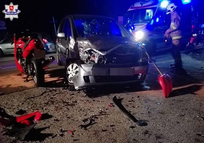Wypadek w Piotrowicach. Kobieta w oplu zawracała na drodze i nie zauważyła jadącego motocyklisty