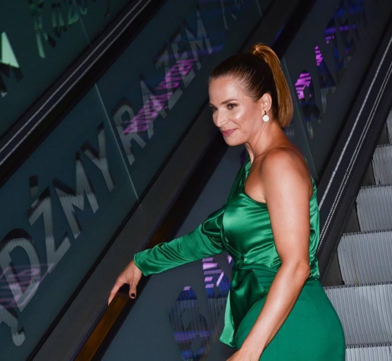 Jest naprawdę uwielbiana! Atrakcyjna Anna Dereszowska... naga w fotelu! Aktorka zachwyca nie tylko... inteligencją ZDJĘCIA  30.05.2021