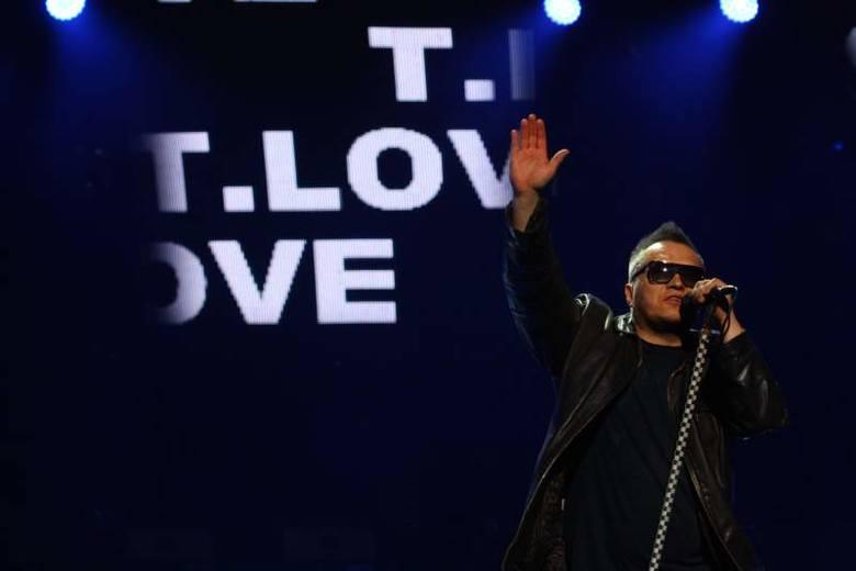Zwieńczeniem niedzielnego wieczoru był koncert zespołu T.Love, który świętował swoje 30-lecie. - Kiedy byłem młodszy, to faceci po czterdziestce, którzy