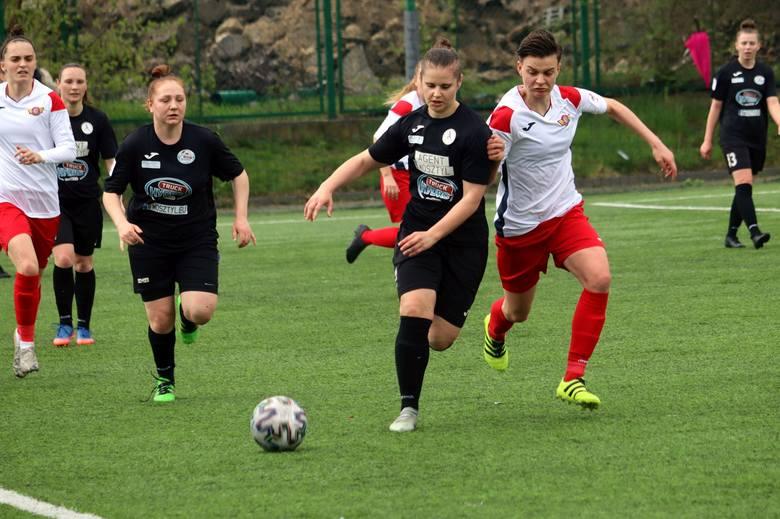 W niedzielnym meczu pierwszej ligi piłki nożnej kobiet Hydrotruck Radom zmierzył się z Polonią Środa Wielkopolski. Po dobrej grze nasz zespół wygrał!