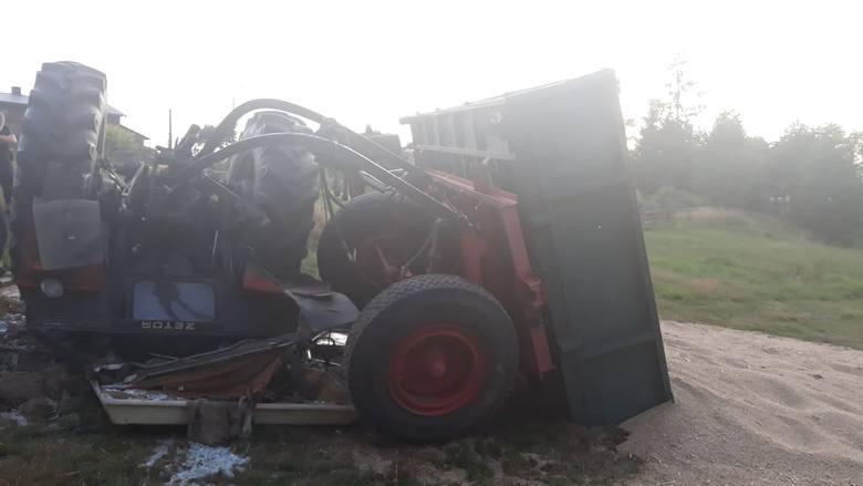 Ciągnik przewrócił się i przygniótł dziadka z wnukiem