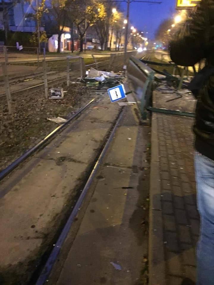 W Łodzi występują utrudnienia w ruchu na Bałutach przy skrzyżowaniu ulic Zachodniej z Lutomierską w kierunku północnym.- Około godziny 6 nietrzeźwy kierujący