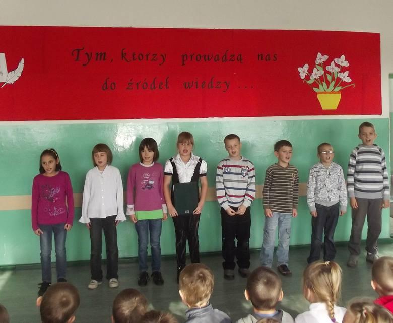 W Szkole Podstawowej w Słosinku zorganizowano akademię z okazji Dnia Edukacji Narodowej.