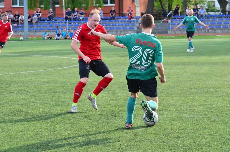 Piłkarskie Nadzieje Mielec wygrały trzeci mecz z rzędu i umocniły się na pozycji lidera. – Do awansu wciąż mamy daleko. Musimy wygrywać dalej, bo nie
