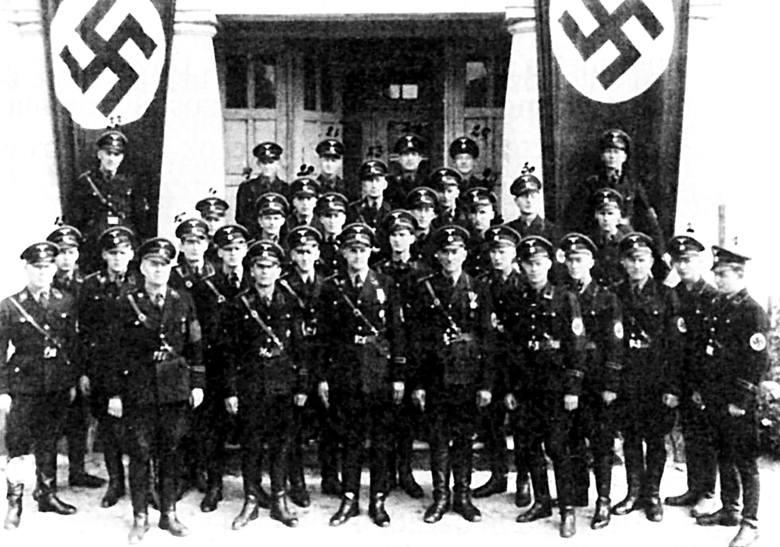 Pod koniec wojny Niemcy ekshumowali i spalili zwłoki większości ofiar zbrodni, ale nie wszystkie.  W październiku 1946 r. odnaleziono groby, w których