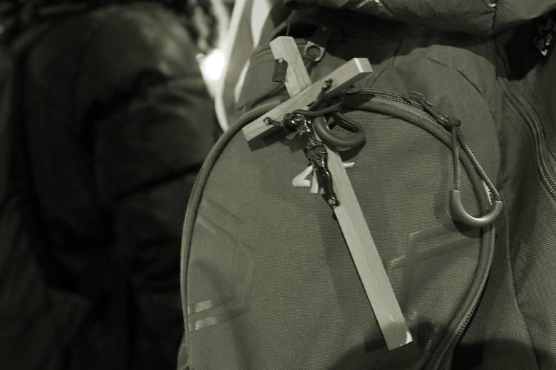 Ekstremalna Droga Krzyżowa 2021. Po zmroku pątnicy wyruszyli z Lublina do Wąwolnicy. Zobacz zdjęcia