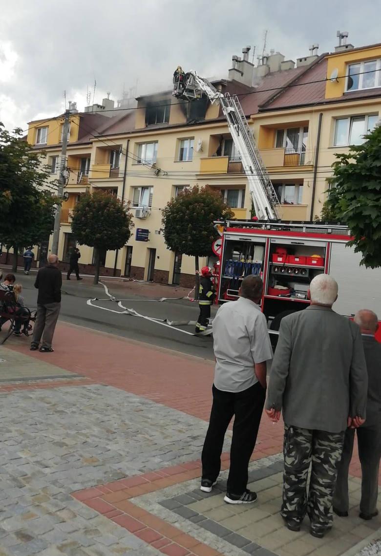 Tragiczny pożar w Sędziszowie Małopolskim. Podczas gaszenia strażacy znaleźli zwłoki