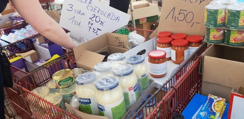 Pulpety - 1,50 złMajonez 700 ml - 4 złCzekolada Milka (duża) - 7 zł3 duże czekolady Milki - 20 zł Co można kupić i za ile? ZOBACZ CENY I ZDJĘCIA na kolejnych