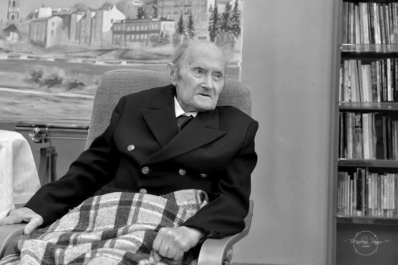 Zmarł kpt. Henryk Jaskuła. Był pierwszym Polakiem i trzecim żeglarzem na świecie, który samotnie opłynął Ziemię