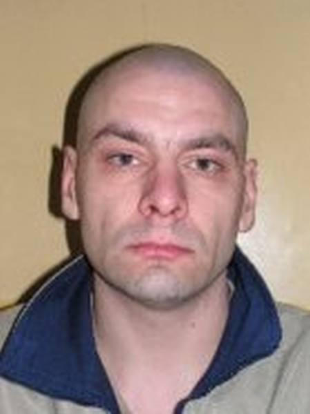 Sławomir BanaszekTen 41-letni torunianin podejrzany jest o zabójstwo. Według śledczych to on zamordował w lutym 2012 roku swojego 48-letniego sąsiada