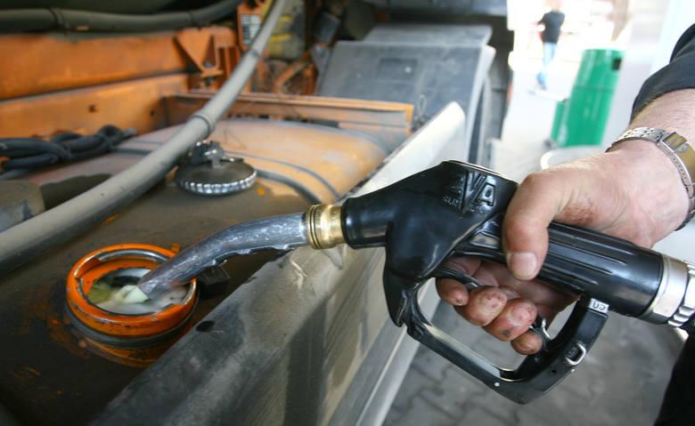 Aktualne ceny paliw w regionie (notowanie z 03.04). Podane ceny to kolejno: benzyna Pb95, diesel i gaz LPG.LEŻAJSKWatkem, ul. Mickiewicza4,37 zł4,37