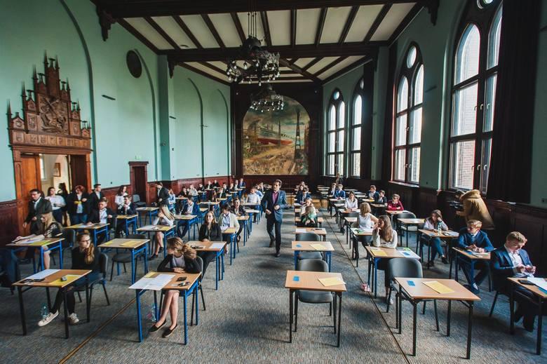 W tym roku matura próbna odbędzie się w drugiej połowie listopada. Na zdjęciu matura z matematyki w I LO w Gdańsku (07.05.2019)