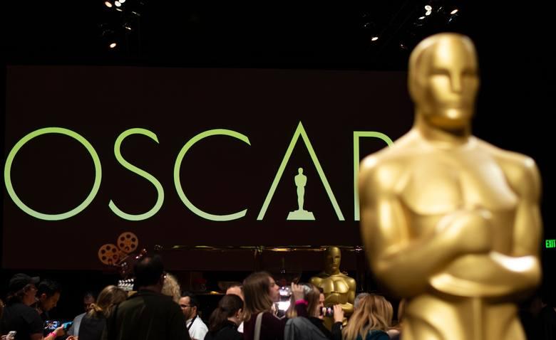 """Oscary 2021. Gdzie obejrzeć transmisję na żywo? Kto zdobędzie statuetki? Przewidywania: bukmacherzy stawiają na """"Nomadland"""""""