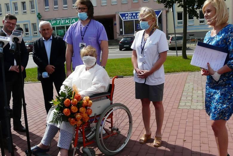 Izabela Szydło jest jedną z pacjentów Radomskiego Szpitala Specjalistycznego, której podano osocze ozdrowieńców. - To złoty lek - mówiła pani Izabela