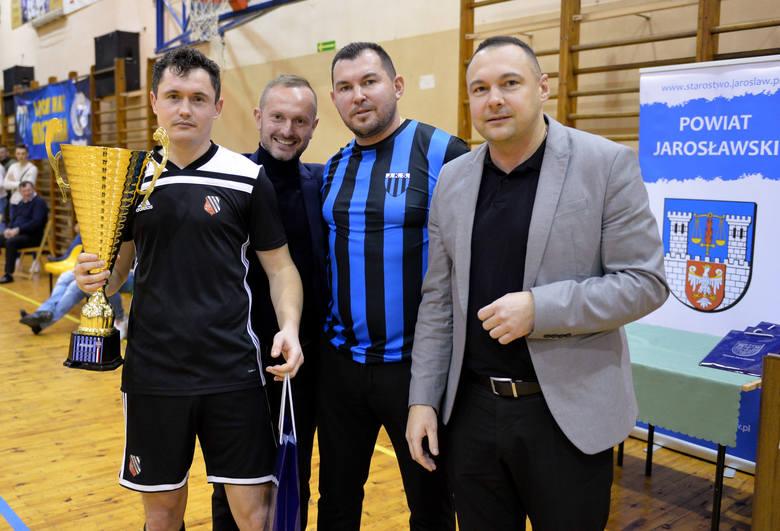 Piast Tuczempy wygrał w niedzielę 19 stycznia XXV Halowy Turniej im. Mariana Lotycza w Jarosławia. Bohaterem ostatniego pojedynku okazał się bramkarz