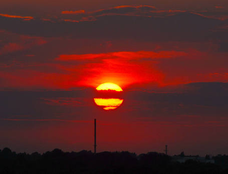 Zaćmienie Księżyca, które nastąpi w środę, będzie równie widowiskowe co zachód słońca