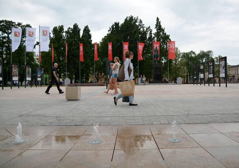 Architekci oceniają nowy plac Litewski: nie brakuje minusów
