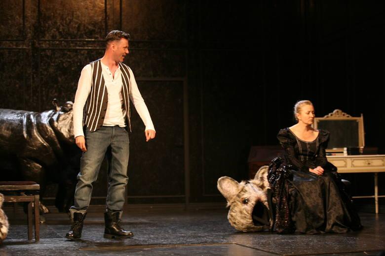 """""""Upiory"""" H. Ibsena w Teatrze Zagłębia"""