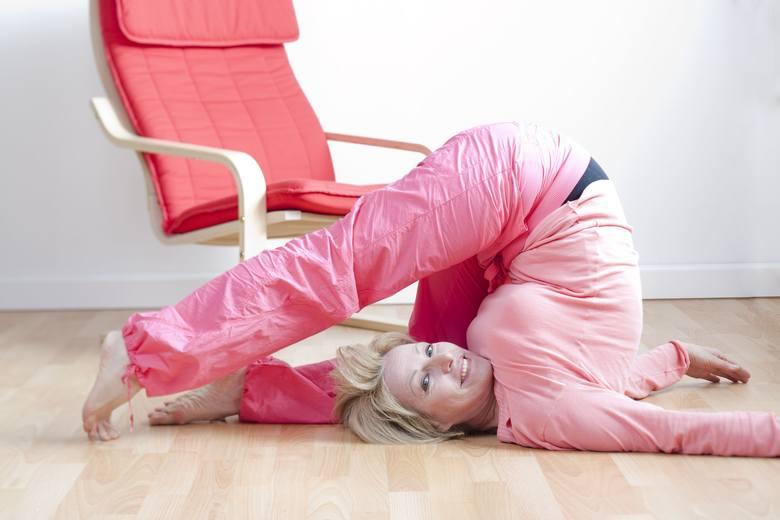 Każdy rodzaj aktywności fizycznej pomaga rozładować stres i poprawić nastrój. Relaksacji, choć niekoniecznie relaksowi, sprzyja zwłaszcza joga, stretching