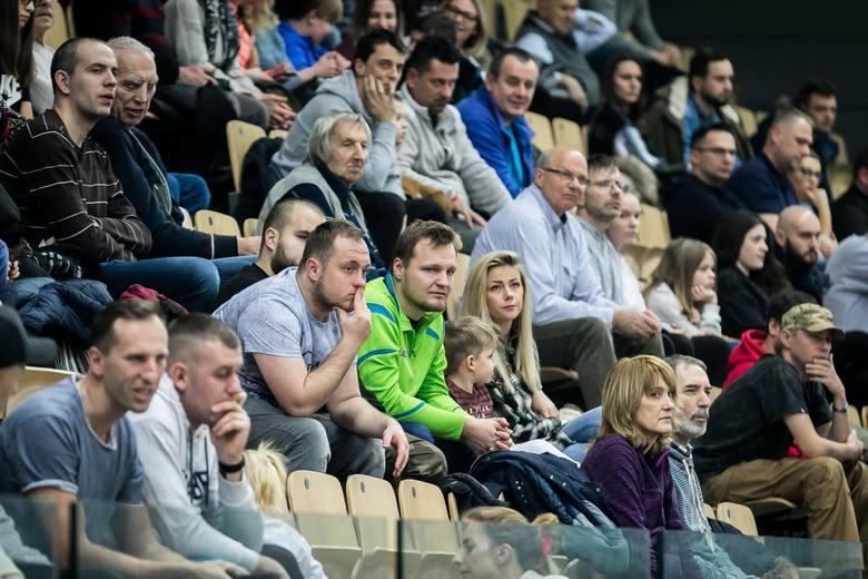 Enea Astoria pokonała we własnej hali Kotwicę Kołobrzeg 95:66 w kolejnym meczu I ligi koszykarzy. Pierwsza kwarta, którą goście wygrali 32:16 (aż pięć