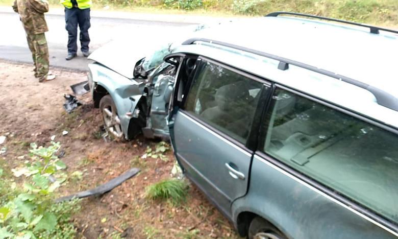 Na drodze prowadzącej z Dębnicy kaszubskiej do Podwilczyna doszło do zdarzenia drogowego. Kierujący samochodem osobowym marki Volkswagen stracił panowanie