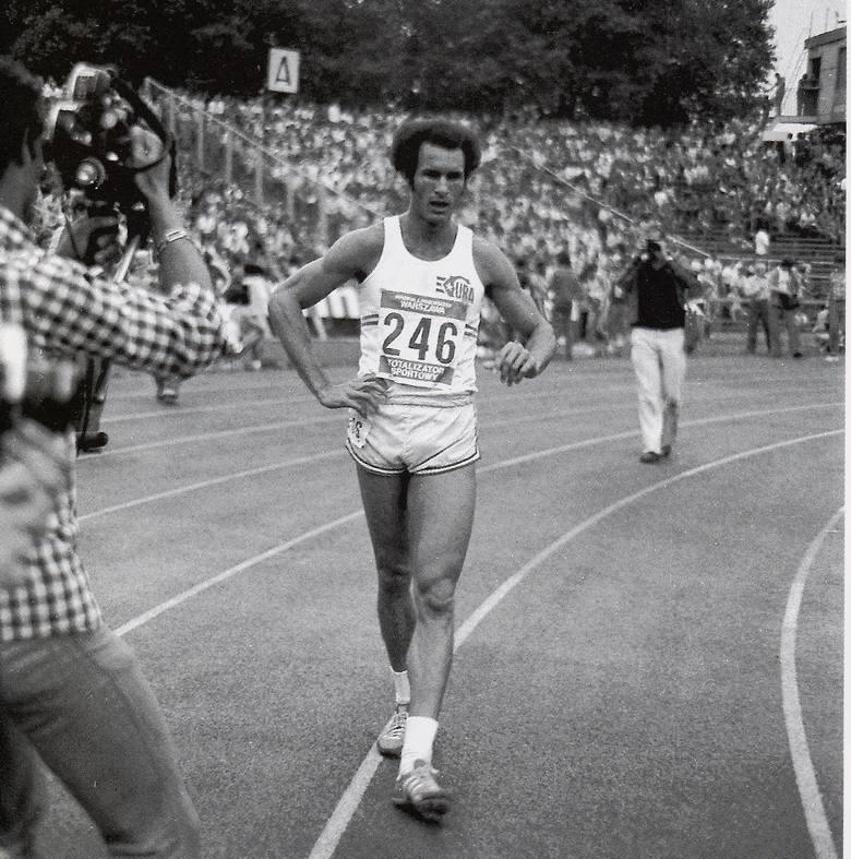Alberto Juantorena na bydgoskiej bieżni w 1977 roku na memoriale Janusza Kusocińskiego. Fot. z archiwum WKS Zawisza