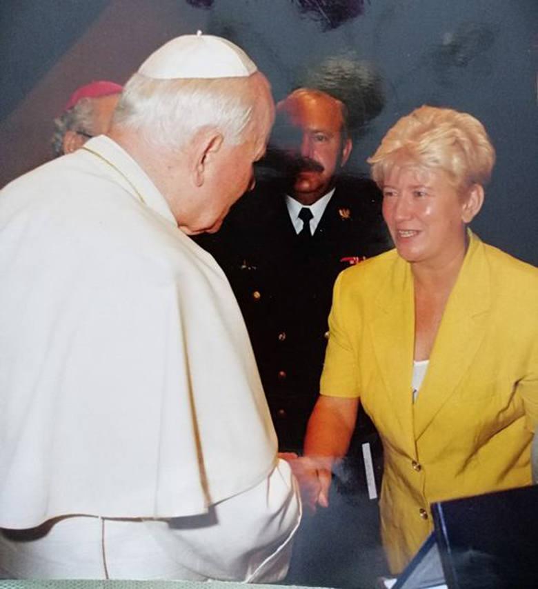 Elżbieta Renzetti podczas jednej z wielu audiencji u Jana Pawła II w Watykanie powiedziała Ojcu Świętemu, że bardzo chciałaby, aby został Honorowym Obywatelem
