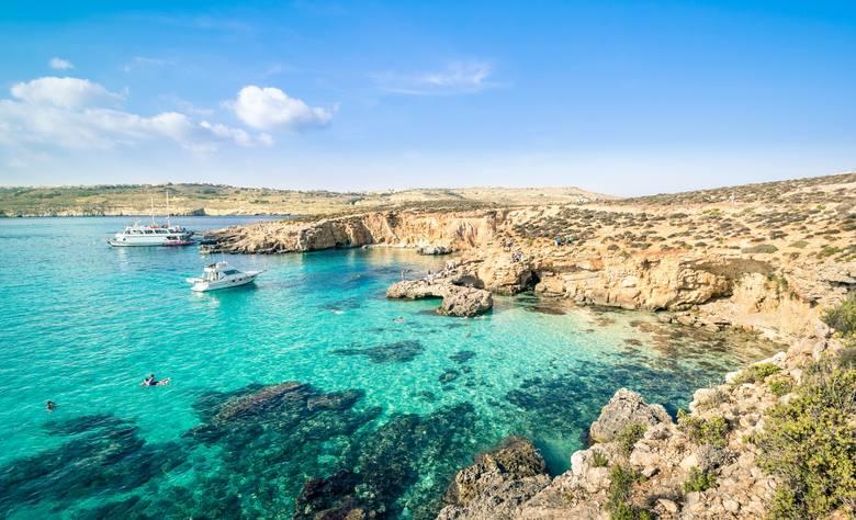 Znana na całym świecie Błękitna Laguna na wyspie Comino