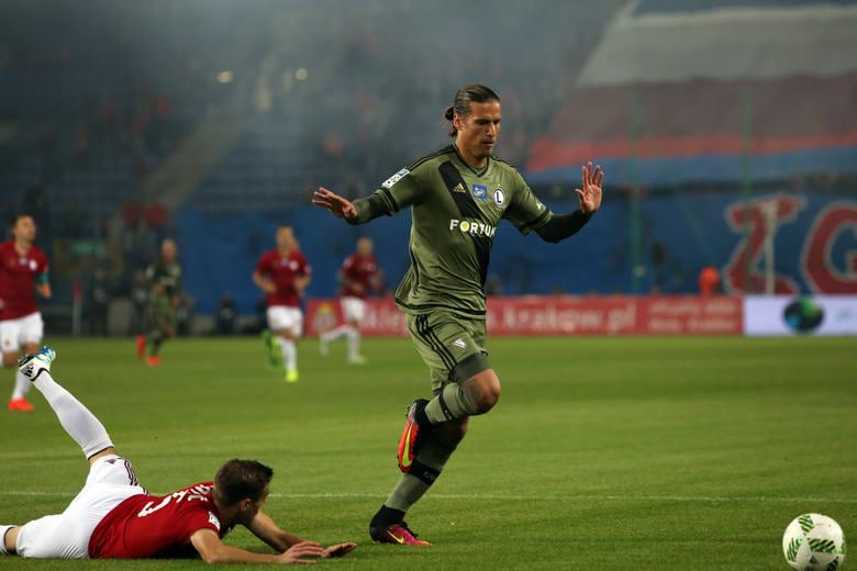 Miejsce polskiej ekstraklasy to europejski czwarty szereg - konkretnie 32. miejsce. Nie oznacza to bynajmniej, że piłkarze z naszej ligi nie wzbudzają