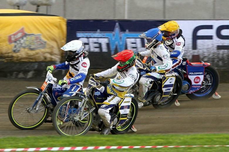 Mistrz Polski, Fogo Unia Leszno, pewnie wygrał w Toruniu w drugiej kolejce PGE Ekstraligi z Get Wellem Toruń 48:42. To drugie zwycięstwo leszczynian