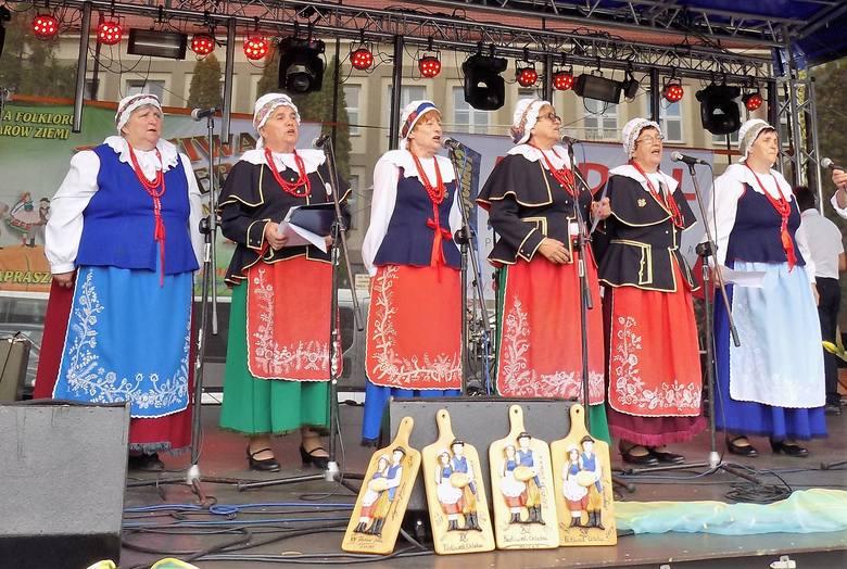 Z nagrodą specjalną i ze specjalnym wyróżnieniem powrócił z Mińska Mazowieckiego zespół ludowy Radojewiczanie z Radojewic. - Siódmego września, uczestniczyliśmy