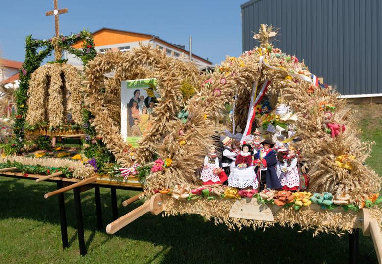 W niedzielę w Markowej k. Łańcuta odbyły się 36. Dożynki Archidiecezji Przemyskiej i 19. Dożynki Województwa Podkarpackiego. Zobaczcie wszystkie wieńce