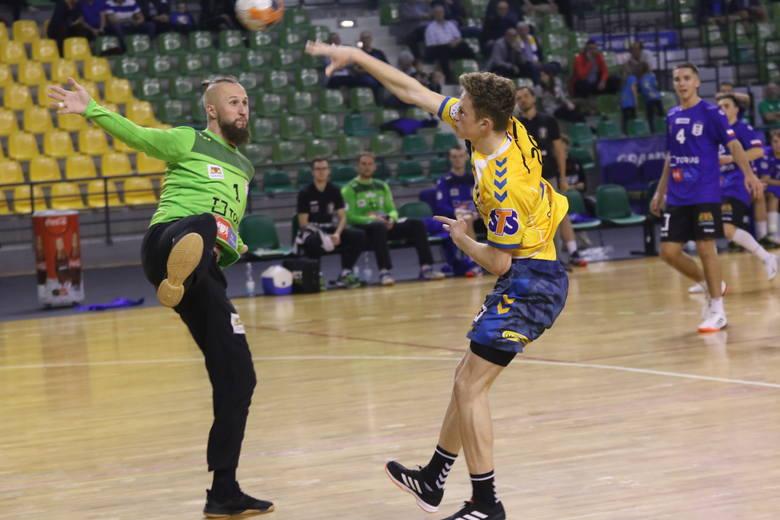Piłkarze ręczni PGE VIVE Kielce w meczu PGNiG Superligi pokonali Torus Wybrzeże Gdańsk 38:24, a z dobrej strony w tym spotkaniu pokazali się młodzi szczypiorniści