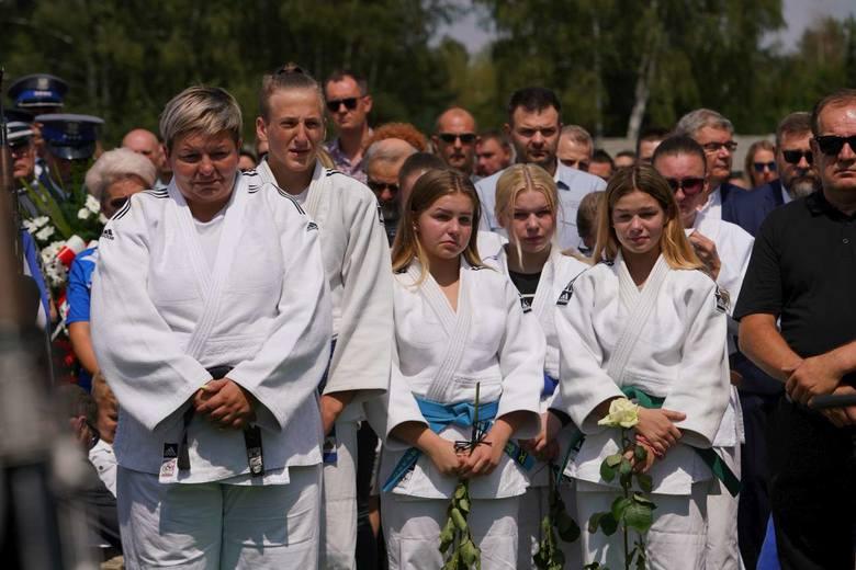 W sobotę na cmentarzu na Naramowicach w Poznaniu odbył się pogrzeb Pawła Szwedziaka, 60-letniego trenera judo kilku wielkopolskich klubów, wielokrotnego