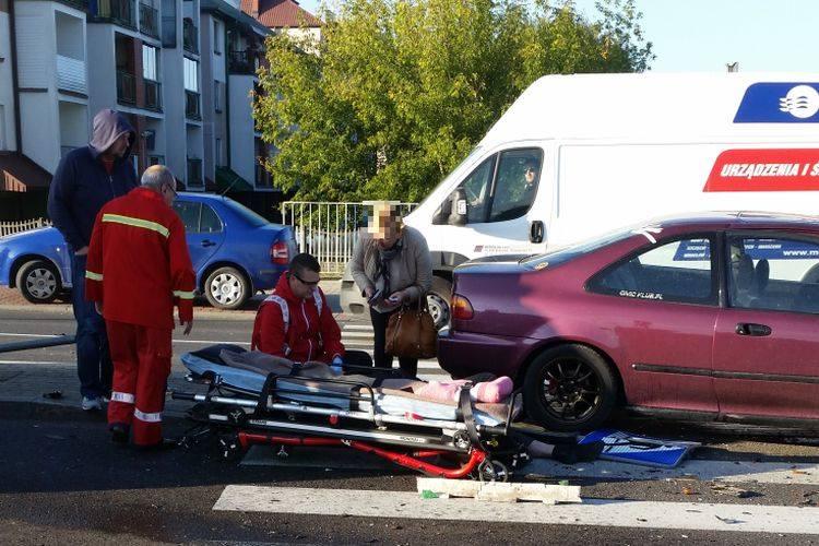 Wypadek Antoniuk Fabryczny - Jarzębinowa. Po zderzeniu hondy z polonezem, kierowca wypadł z auta (zdjęcia)