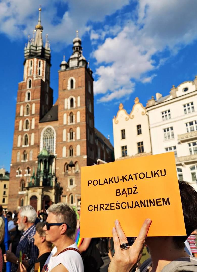 Kraków. Wierzący i niewierzący przeciw nienawiści - demonstracja poparcia dla środowisk LGBT, padły mocne hasła