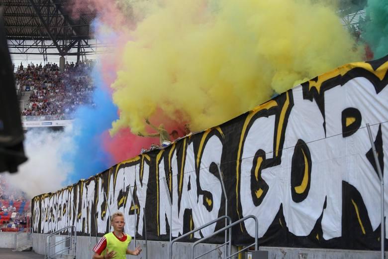 Kibice Górnika Zabrze licznie stawili się na mecz z Koroną Kielce. Na stadionie nie zabrakło też fanów gości