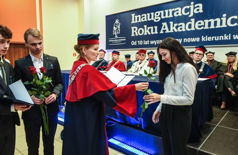 Studenci WSB zaczęli nowy rok akademicki.INFO Z POLSKI 5.10.2017 - przegląd najciekawszych informacji ostatnich dni w kraju