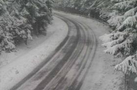 Wiosenny atak zimy. Uwaga na drogach