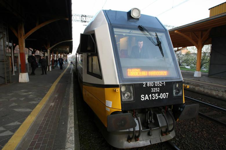 Pierwszy po 17 latach pociąg osobowy z dworca Wrocław Główny na Wojnów