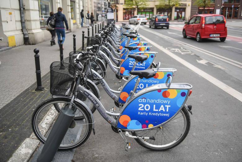 Ruch się nie zmniejszył, chociaż rowerzystów jest mniej
